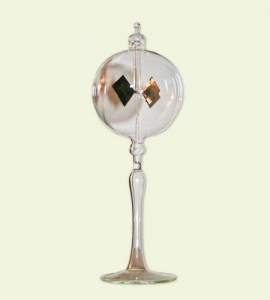 Radiometer on tapered stem / Radiometre avec une base en verre transparent