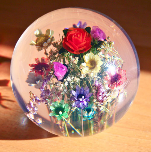 Paperweight mixed flowers